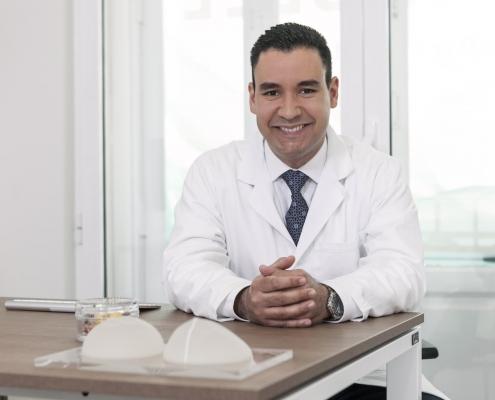 dr. centeno mamoplastia de aumento en Valencia