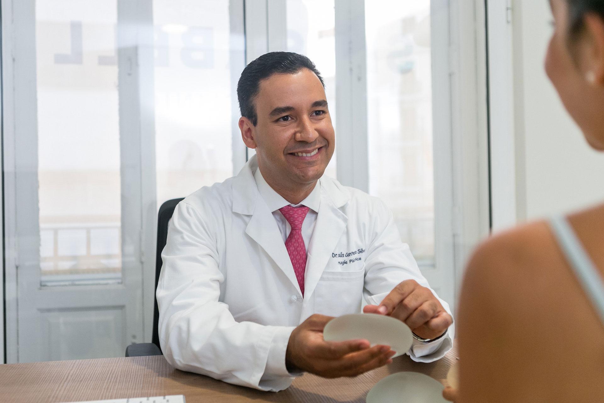 aumento de pecho doctor centeno